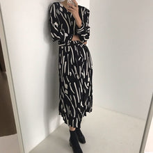 Load image into Gallery viewer, vintage style 2020 new Spring Summer Printing  Dress  Midi Dress   Elegant Party Vestidos