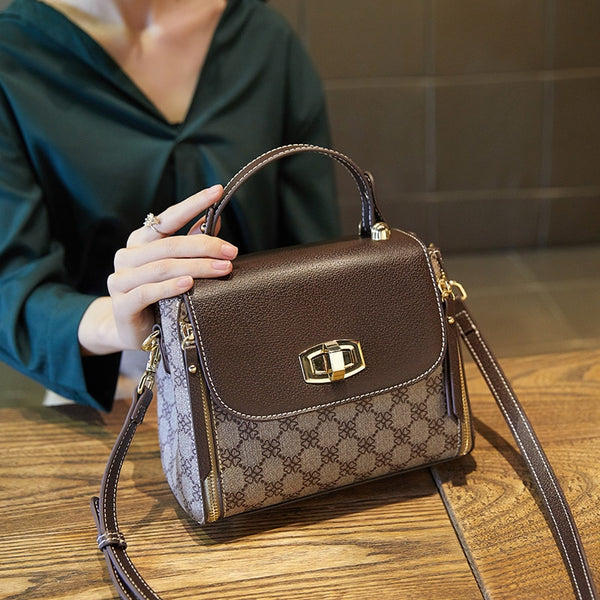 Designer Women Shoulder Bag Colorful letter Wide Strap luxury Crossbody Bags Messenger casual PVC handbag large capacity