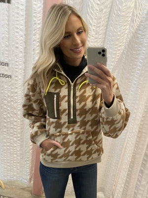 brown houndstooth fleece pullover with hood