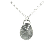 Load image into Gallery viewer, Classic Oval Necklace
