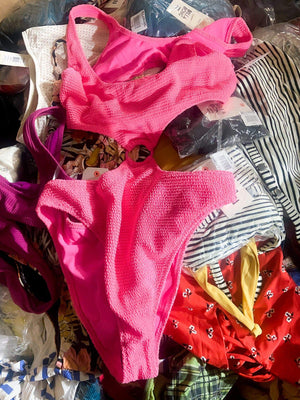 Load image into Gallery viewer, TRENDY SWIMWEAR | Women's Juniors NWT | 25 pieces - JOMAR WHOLESALE