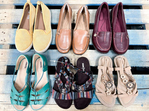 Load image into Gallery viewer, COMFORT SHOES | Women's Pre-Loved | 10 pairs - JOMAR WHOLESALE