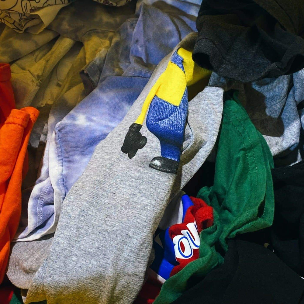 Load image into Gallery viewer, GRAPHIC TEES | Assorted Pre-Loved | 25 pieces - JOMAR WHOLESALE