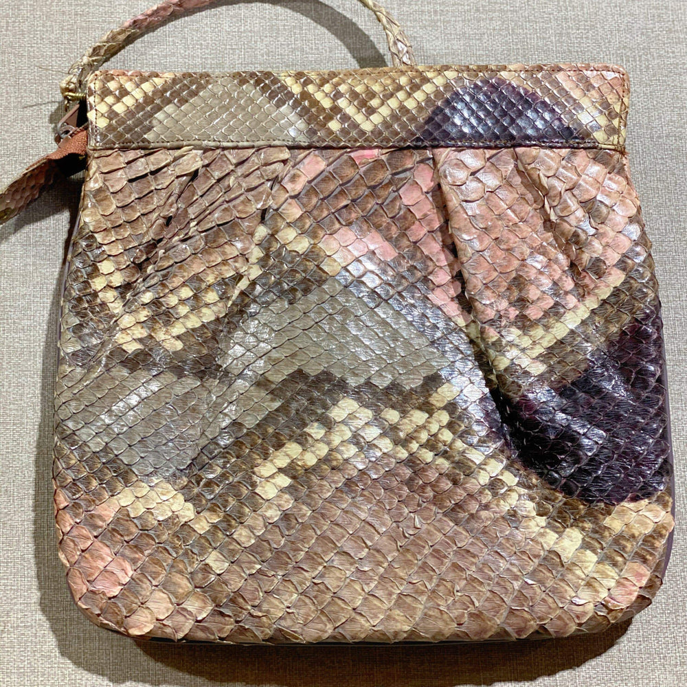 Load image into Gallery viewer, VINTAGE handbags | mixed variety | 15 bags - JOMAR WHOLESALE