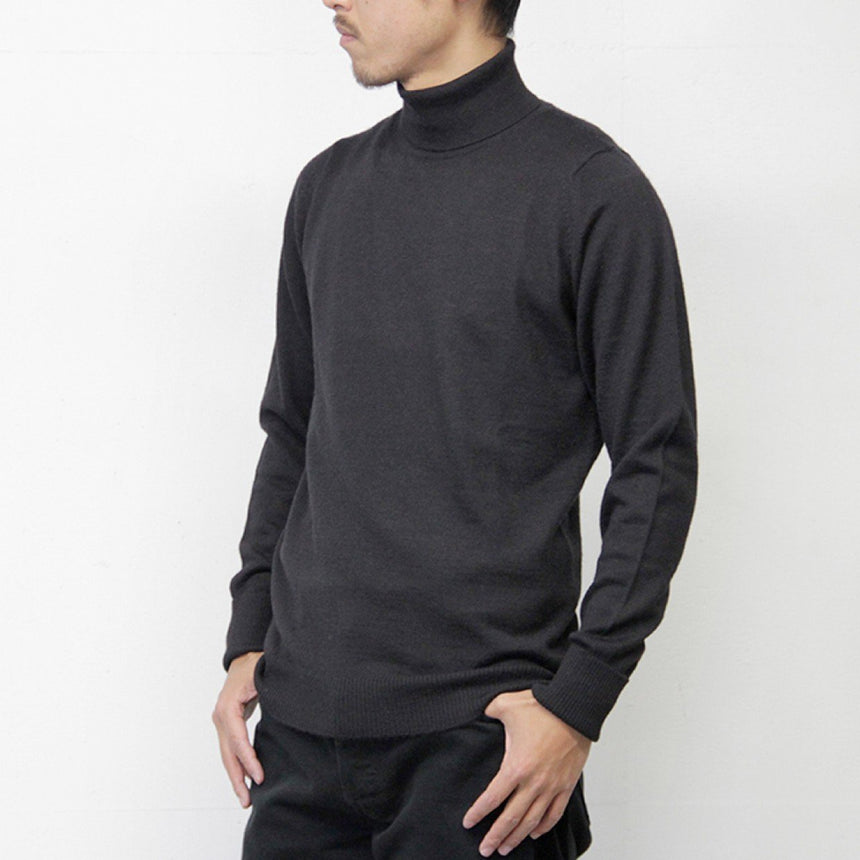The Inoue Brothers Turtle Neck Pullover Black