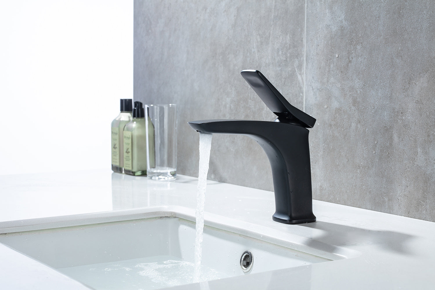 Single Handle Square Bathroom Faucet, Single Hole Modern Solid Brass Basin Mixer Taps