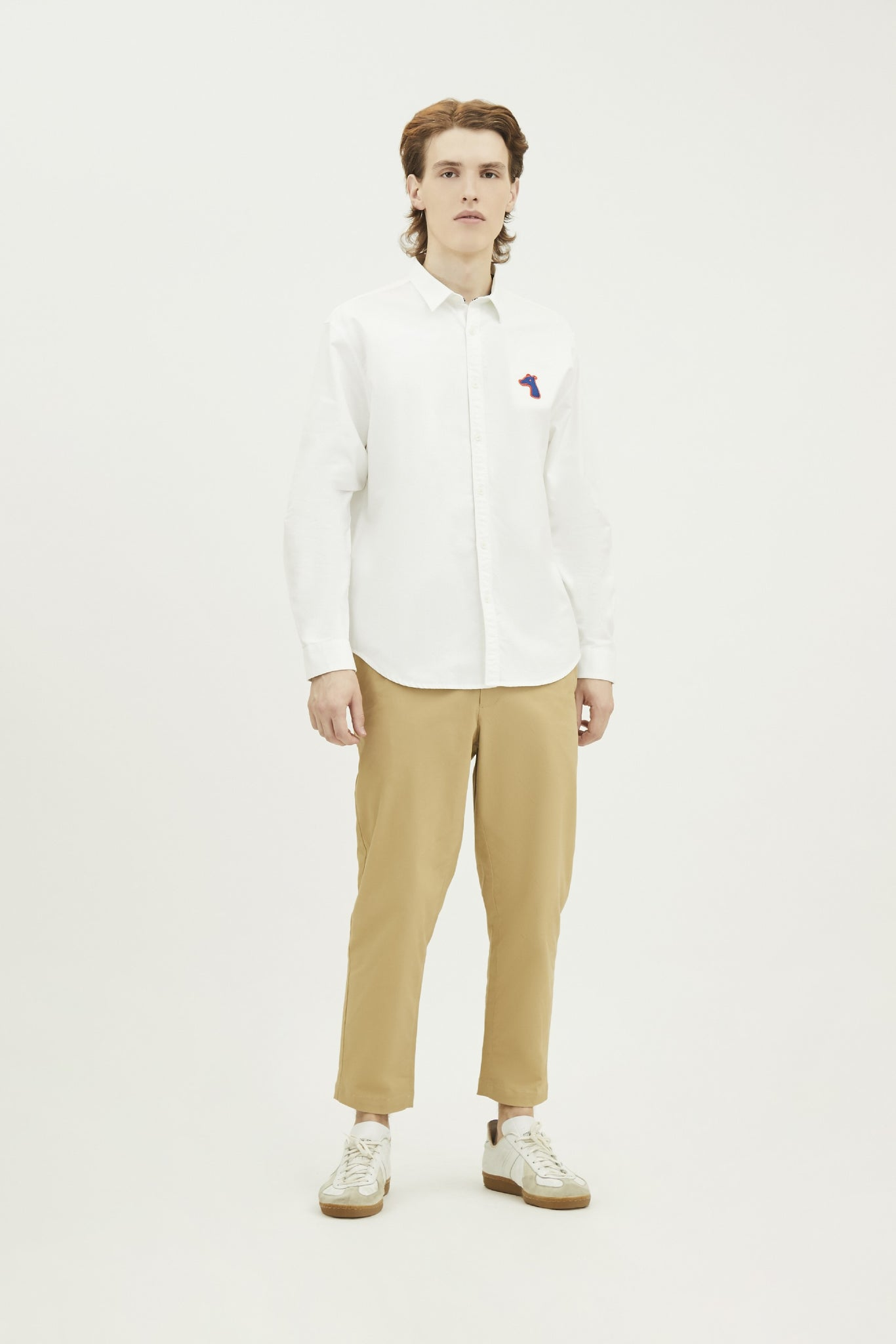 Load image into Gallery viewer, POPLIN SLIM SHIRT WITH LOGO EMBROIDED (S20MD01103WH1A)