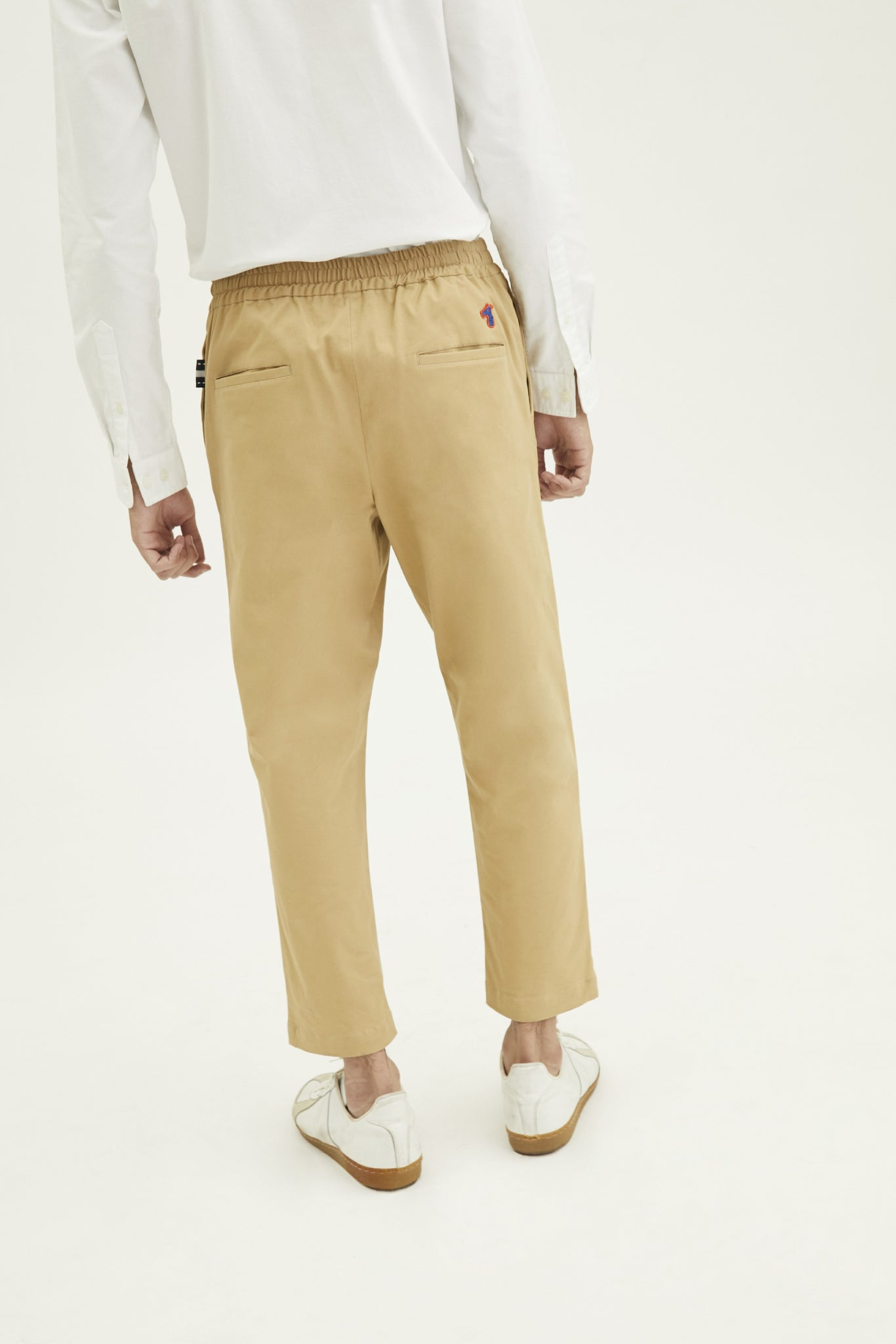 Load image into Gallery viewer, ANKLE PANTS WITH LOGO EMBROIDED (S20MD02022BE1A)