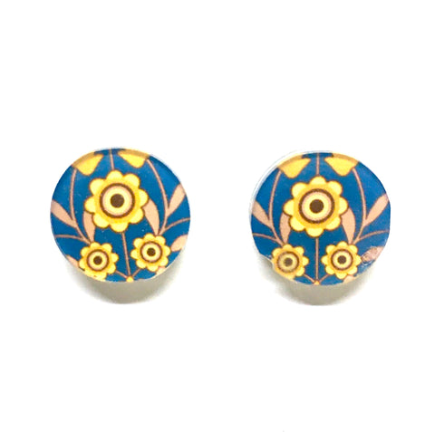 Blue and yellow retro resin studs
