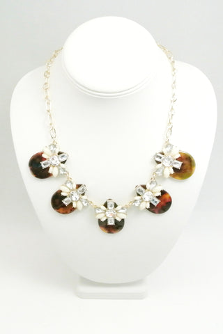Ocean Gems and Shells Necklace - Cream