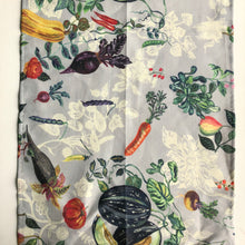 Load image into Gallery viewer, Nathalie Lété Veggies Linens