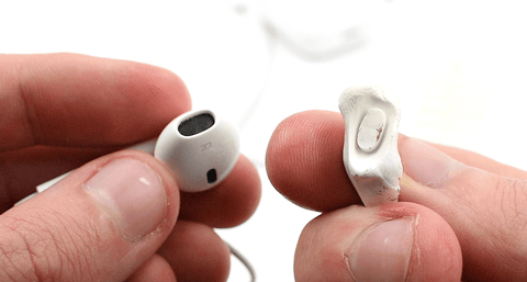Cleaning AirPods with Wax Magnets tabs by pod accessories.