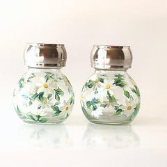 White Daisies Salt & Pepper Set