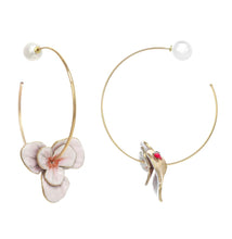 Load image into Gallery viewer, Double Flower Hoop Earring