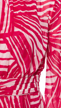 Load image into Gallery viewer, Blouson Maxi in Raspberry + Optic Brushstroke