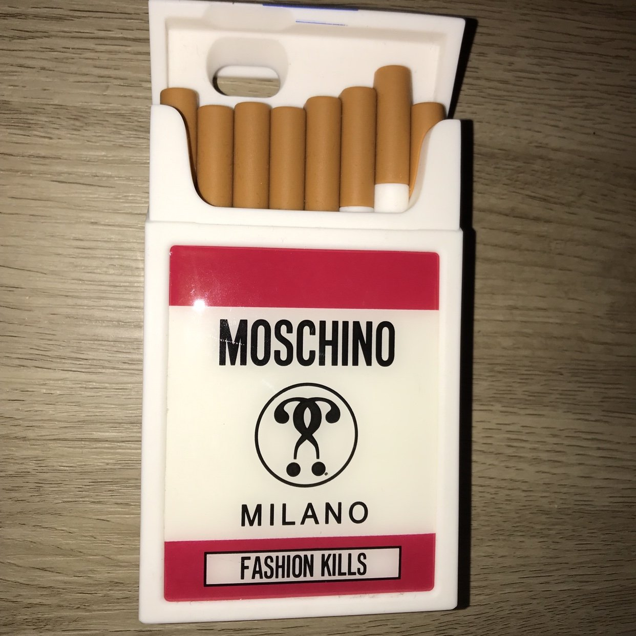 cover iphone 7 sigarette moschino
