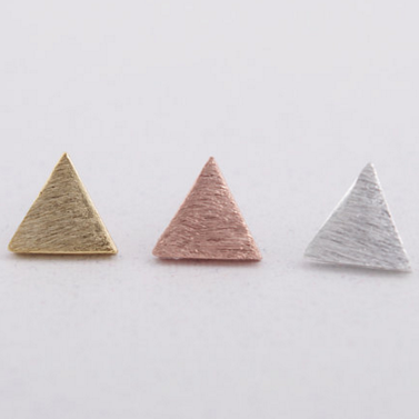 SOLID TRIANGLE STUDS