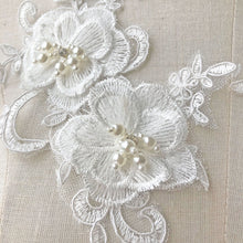 Load image into Gallery viewer, Off-White Beading Flower Patches Crystal Pearl Lace Applique Wedding Motives Embroidery Flower Patch for Dress Veil Headpiece