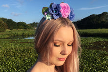 Load image into Gallery viewer, Sandra Flower Crown