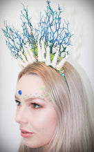 Load image into Gallery viewer, Alana Shell Crown