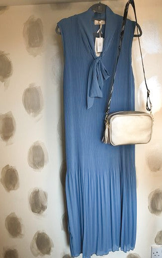 Long Pleated Dress Blue