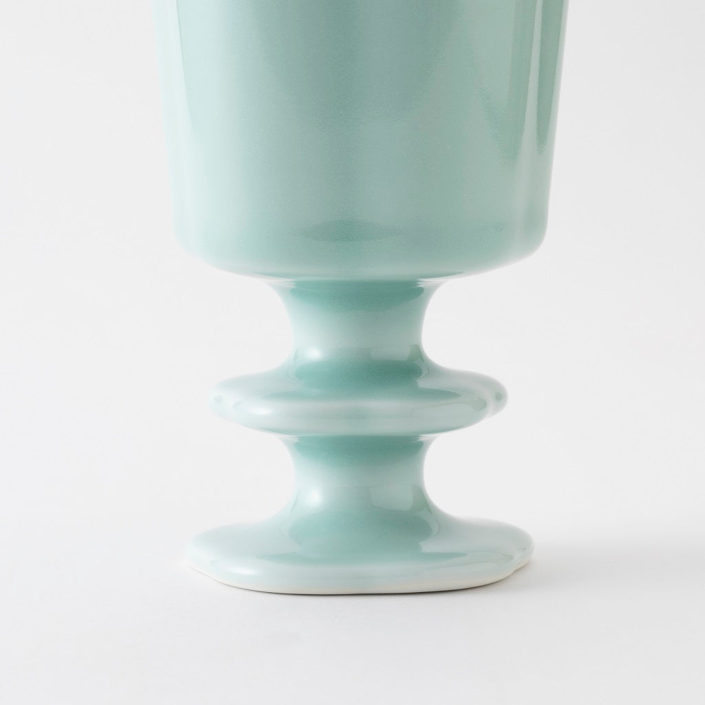 NabeshimaCeladonPorcelainGoblet bottom