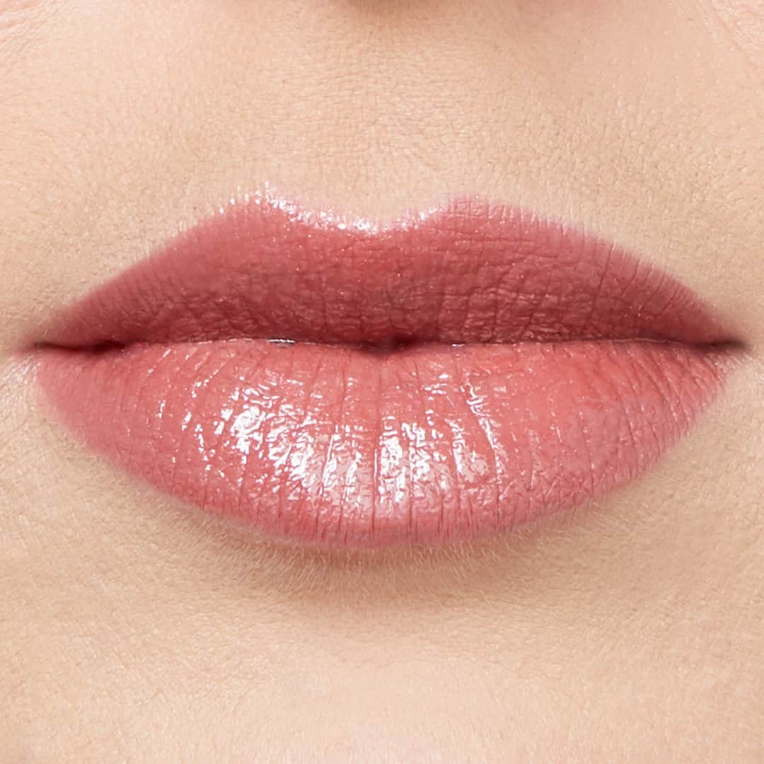 Content Lip Fixation, Choose the Right Nude Lipstick for Medium Skin