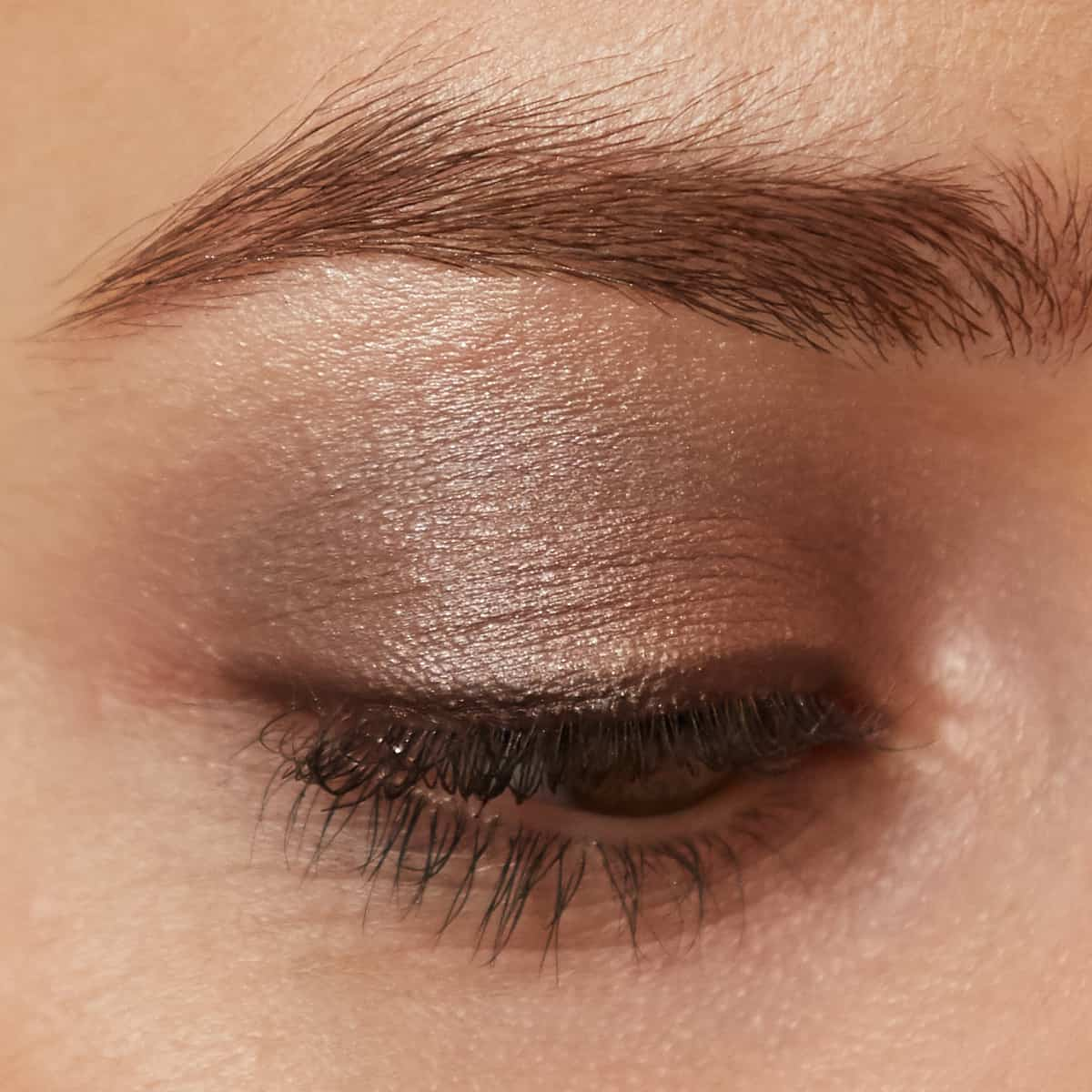 everyday, natural eye makeup look using Brown Sugar PurePressed Eye Shadow Triple