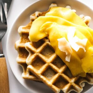 skin benefits of cocoglycerides, recipe for crispy coconut waffles with coconut oil
