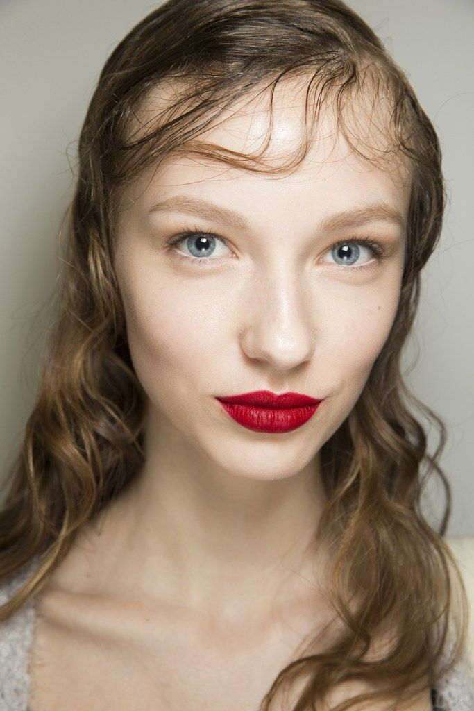 fall 2016 beauty trends, classic red lip