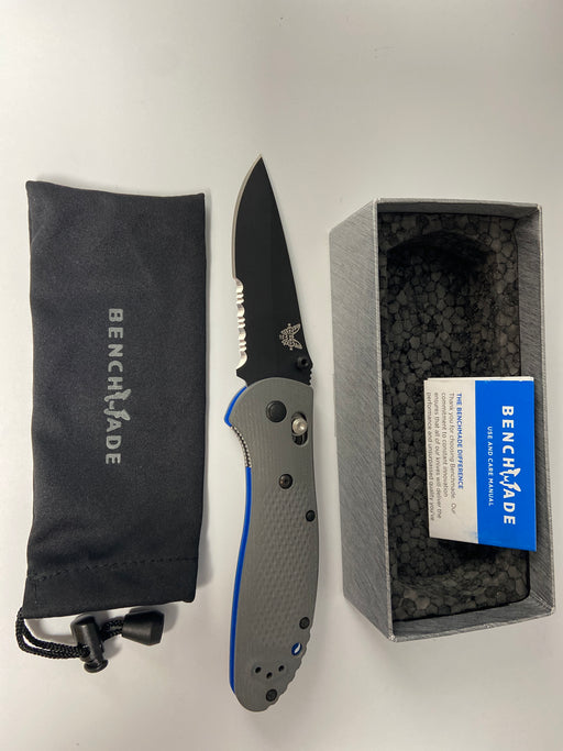 Benchmade (NIB)  GRIPTILIAN 551SBK-1 Axis serrated black finish
