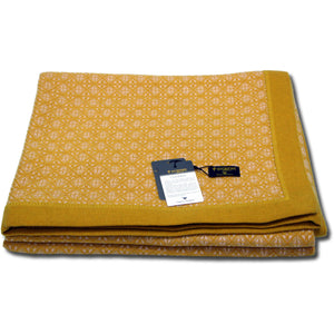 Two Tone Diamond Throw with Gusset Border