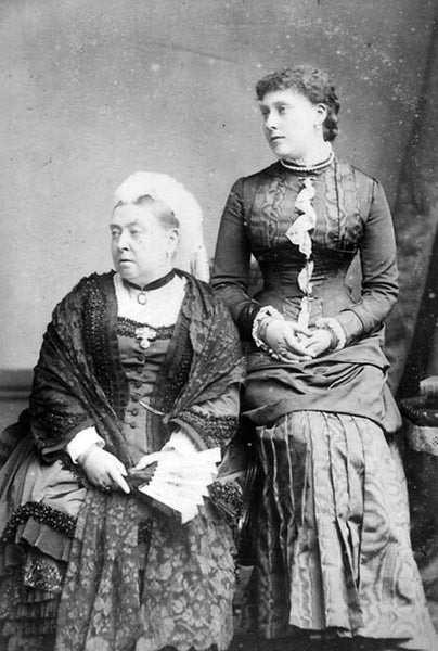 Victorians Facts for Children - Queen Victoria with her Daughter