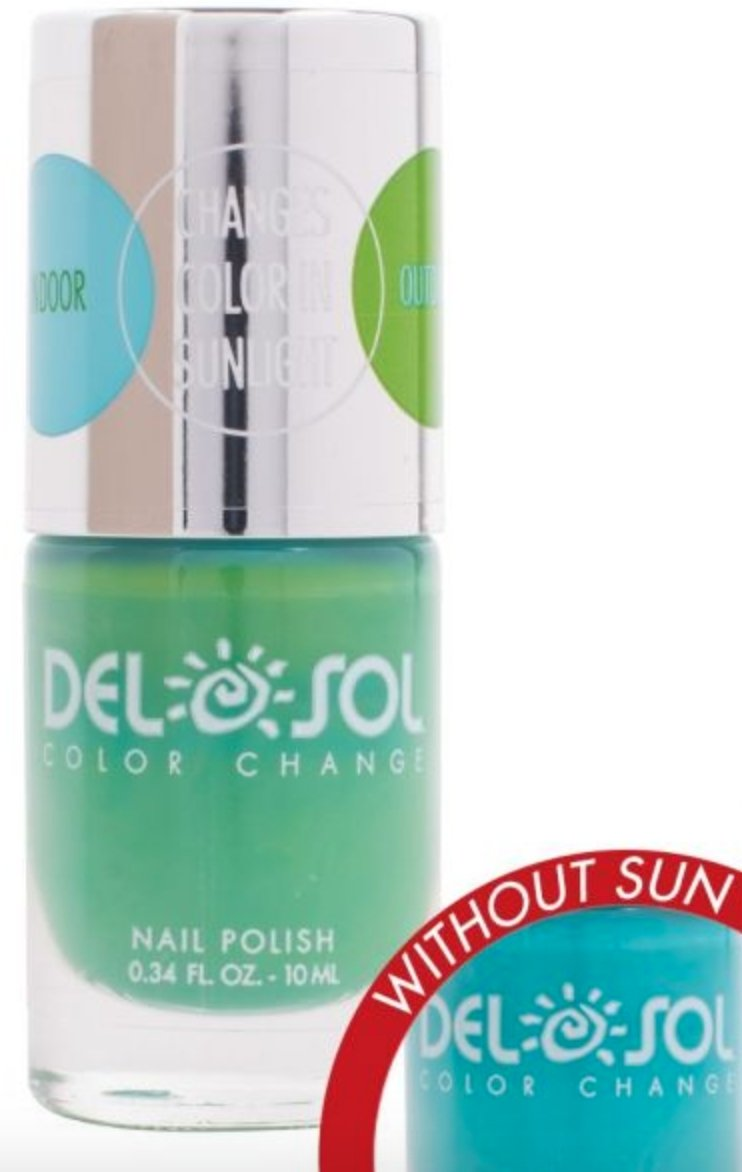 NAIL POLISH: COLOR CHANGES FROM BLUE TO GREEN WITH THE SUN! - Molly's! A Chic and Unique Boutique