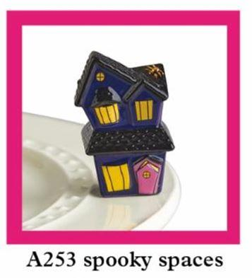 SPOOKY SPACES A253 - Molly's! A Chic and Unique Boutique