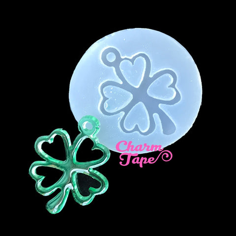 Clover Leaf charm Silicon mold flexible, for polymer clay, resin jewelry Q146