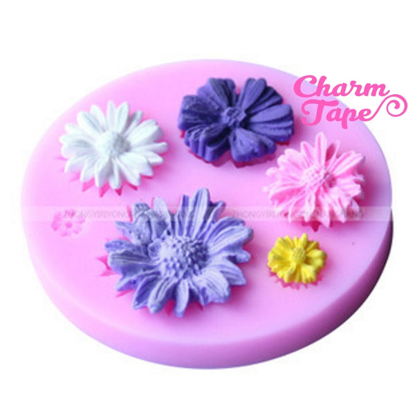 Daisy Flower Silicon mold flexible, for polymer clay, resin jewelry or cake making C095