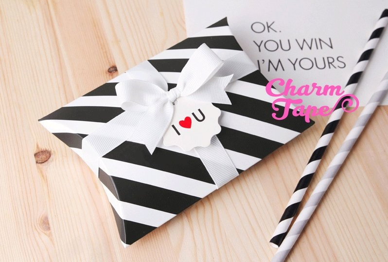 10pcs Black & White Stripes Gift Box, Pillow Boxes For Candy, Treat - Party Favors Bags PB029