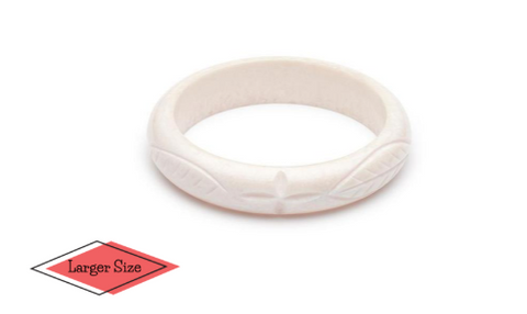 "Bangle ""Duchess Size"" Midi Daisy White Fakelite"