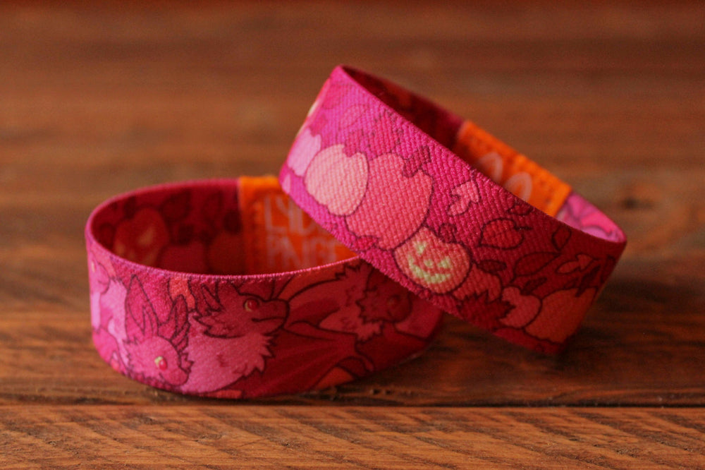 Load image into Gallery viewer, Halloween Fabric Bracelet - Bats and Pumpkins