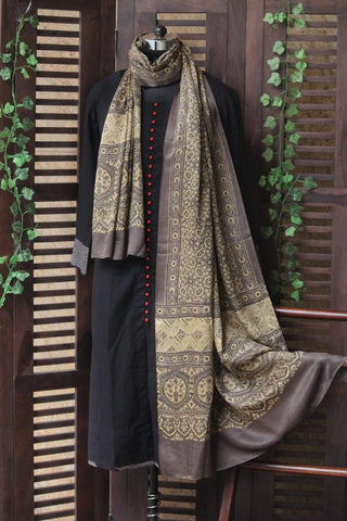 gajji ajrakh dupatta - kashish & gold dust
