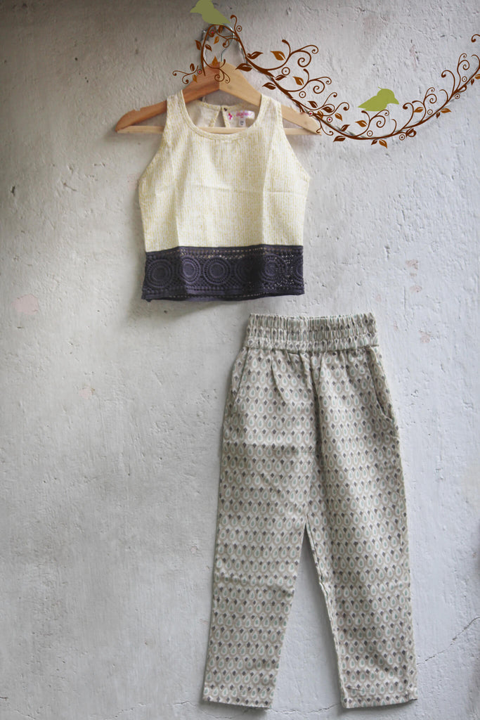 kidswear - Off White Lace Top with Pants
