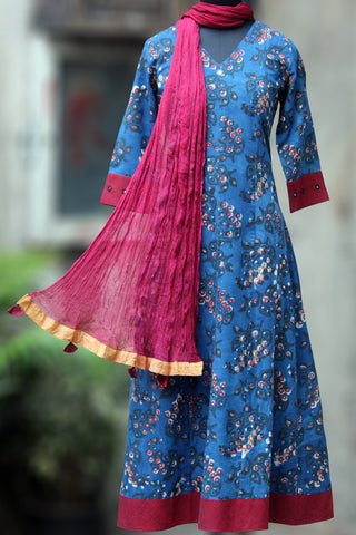 anarkali - red button roses & indigo waters
