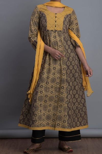 princess cut anarkali - dove & gold