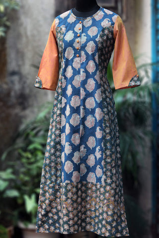 long kurta - sea swan & the many mogra
