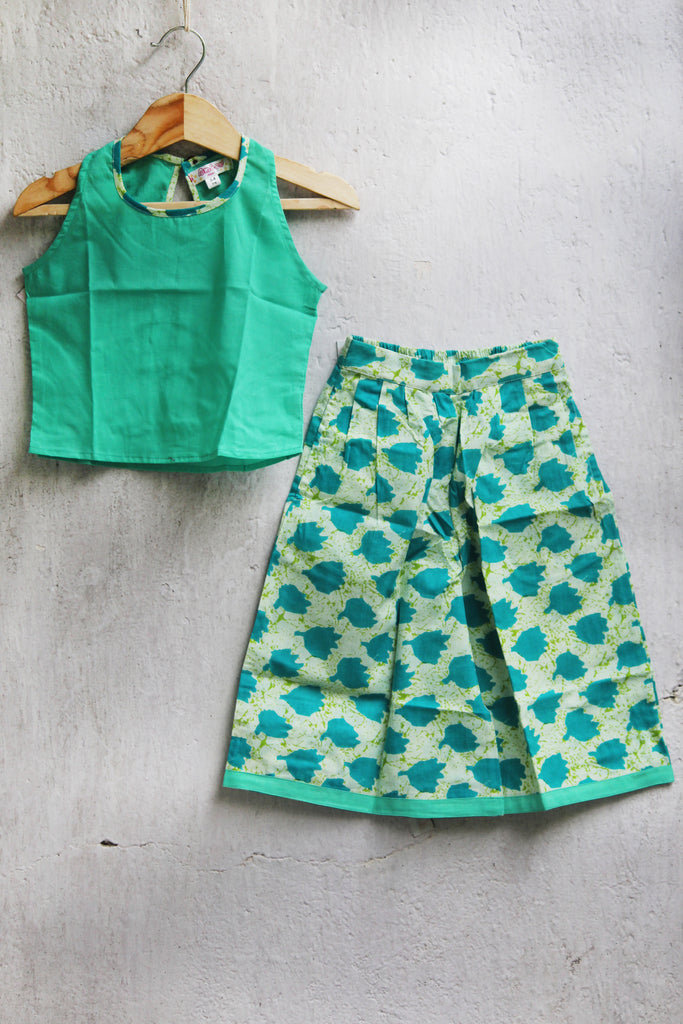 kidswear - green culotte with green top