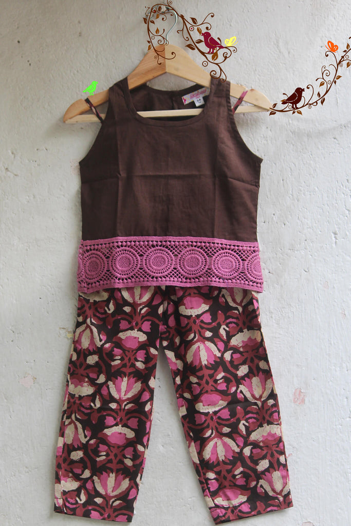 kidswear - brown lace top with pants