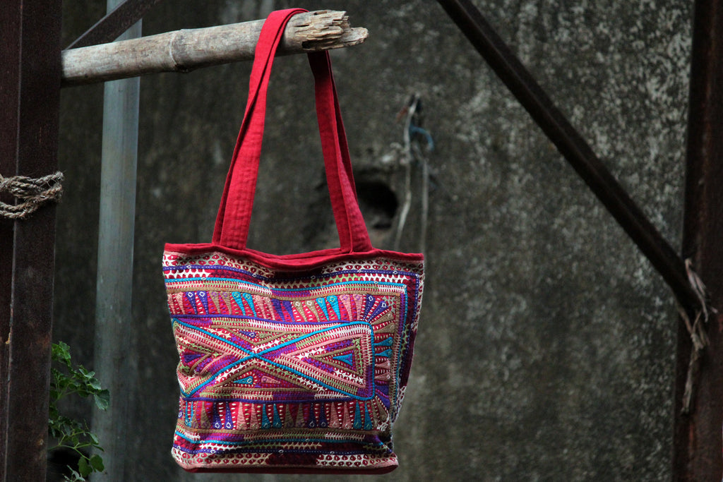 carry along: magenta & dhebariya