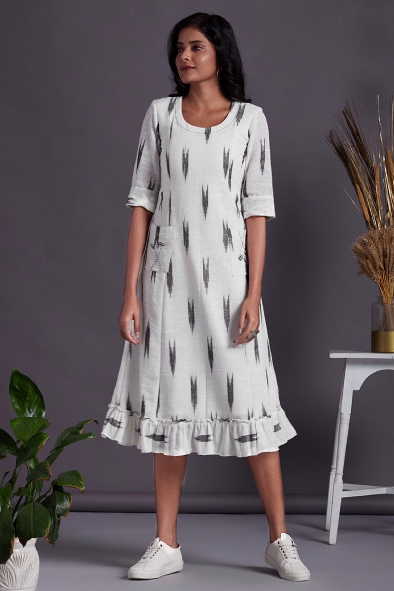 pocket dress with ruffle border - monochrome mood & pristine white