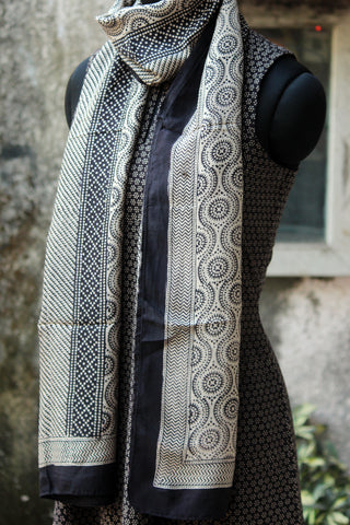 bagh silk stole - waves & lines (black & off-white)
